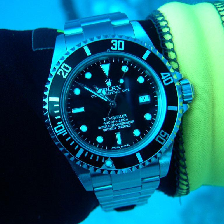 Dive Watches 101 Bracelet Extensions Vs Flexible Straps